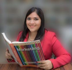Annabelle Figueroa Lizarzaburu